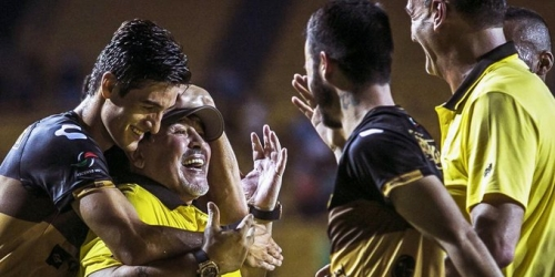 Maradona celebra pase de Dorados a semifinales de la Liga de Ascenso