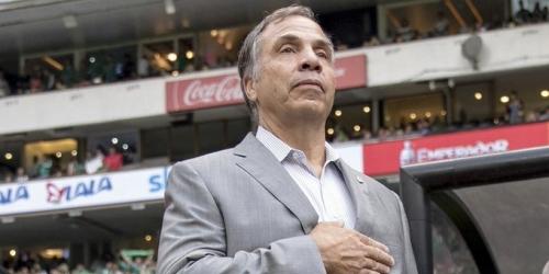 (OFICIAL) Bruce Arena renunció como entrenador de Estados Unidos tras la eliminación