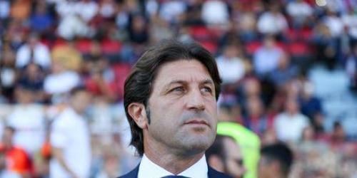 (OFICIAL) El Cagliari destituyó a Massimo Rastelli