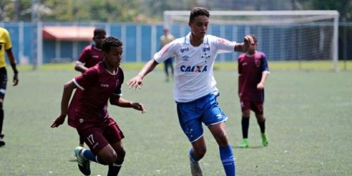 (OFICIAL) El hijo de Ronaldinho ya tiene nuevo equipo