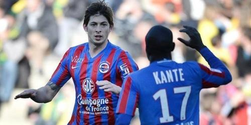 (OFICIAL) N´Golo Kanté se ofrece a colaborar con Emiliano Sala
