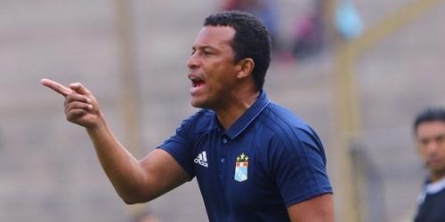 (OFICIAL) Pablo Zegarra no seguirá al mando de Sporting Cristal