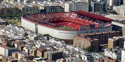 (RUMOR) El Sevilla va por un defensa mundialista