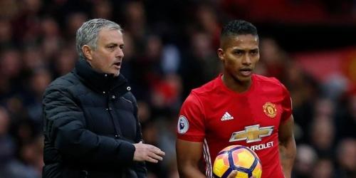 (RUMOR) Mourinho ya tendría reemplazo para Antonio Valencia