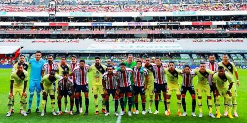 (VIDEO) Águilas y Chivas dividen honores en el clásico mexicano