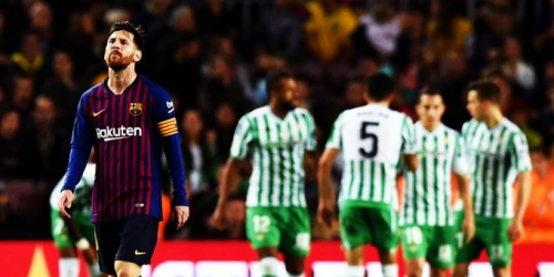(VIDEO) Baldazo de agua fría en el regreso de Messi