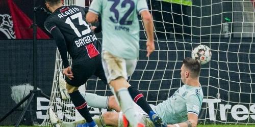 (VIDEO) Bayern Múnich fracasa en su visita con el Leverkusen y se distancia del puntero