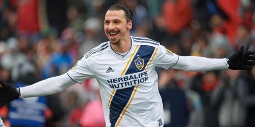 (VIDEO) El acrobático gol número 500 de Zlatan Ibrahimovic