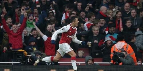 (VIDEO) El Arsenal venció al Tottenham Hotspur en el Emirates Stadium