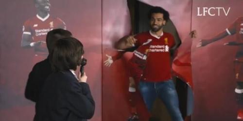 (VIDEO) Niños fans del Liverpool conocen a Mohamed Salah en vivo