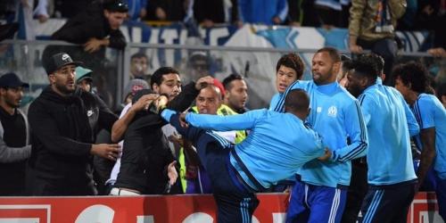 (VIDEO) Patrice Evra expulsado antes del inicio del partido