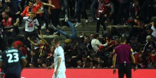 (VIDEO) Suspendido el Amiens vs. Lille debido a la caida de una valla